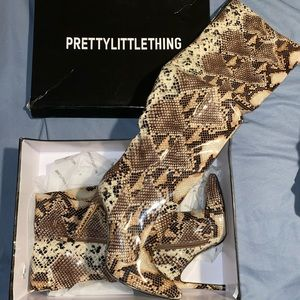 ⭐️ Pretty Little Thing - Thigh High Snake Boots.